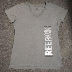 💗 NWOT Women's Reebok T-shirt size L